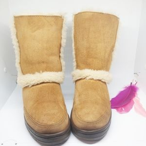 Size W5 | UGG Sundance Short II Revival Boots